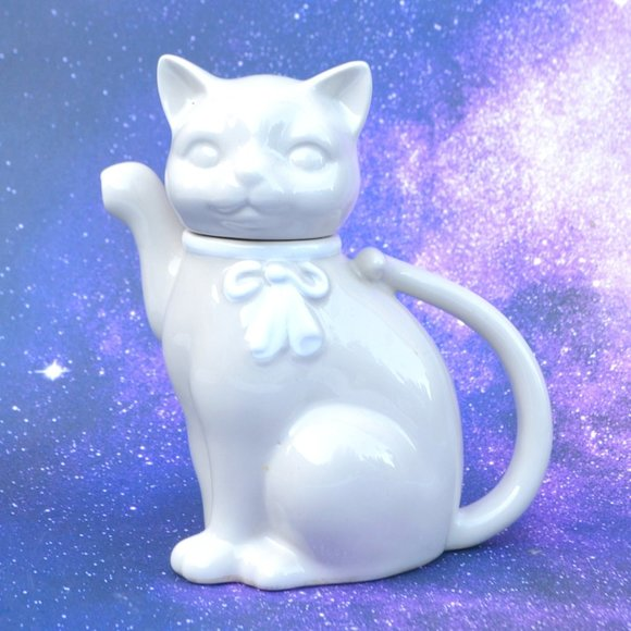 Vintage Takahashi Porcelain Kitty Cat Teapot